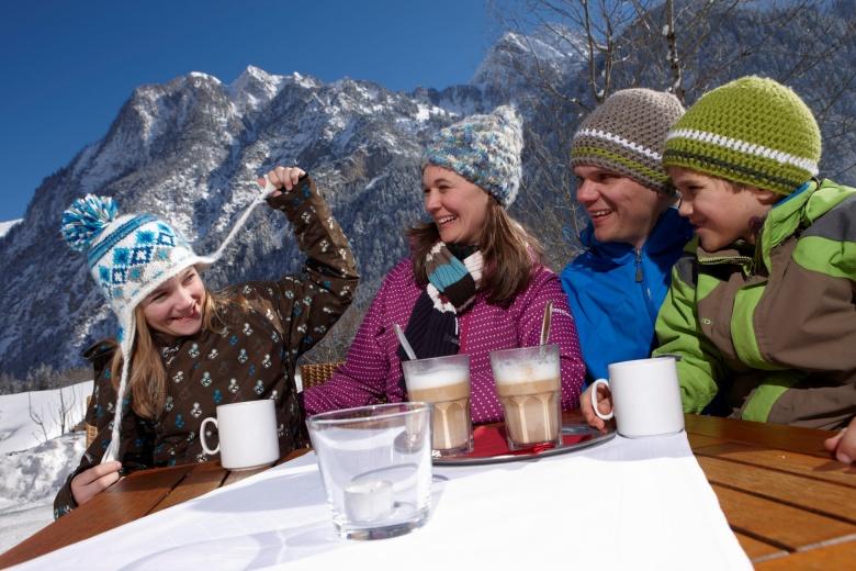 Winter-Panoramaterrasse, Familienhotel Lagant
