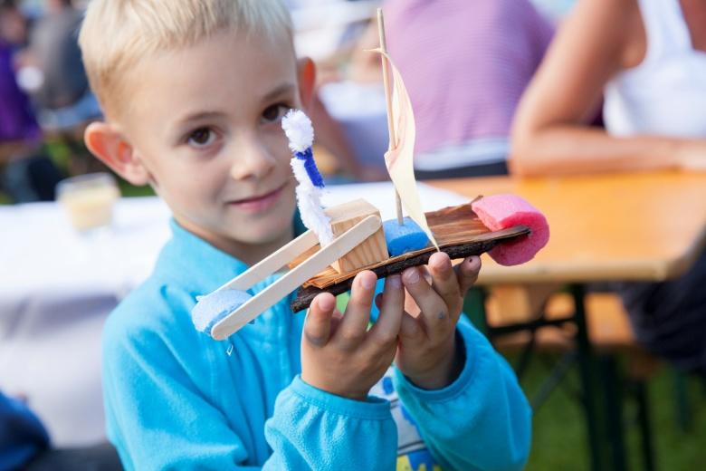 Kinderbetreuung, Basteln mit Naturmaterialien, Hotel Lagant