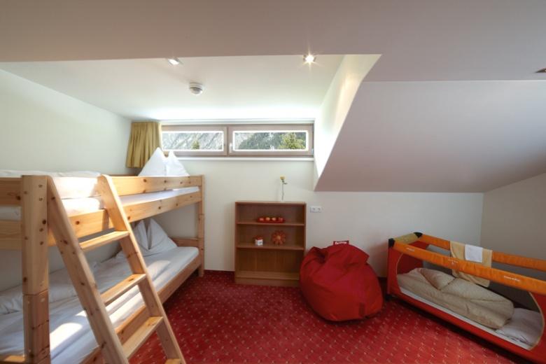 Familienzimmer mit Etagenbett, Familienhotel Lagant