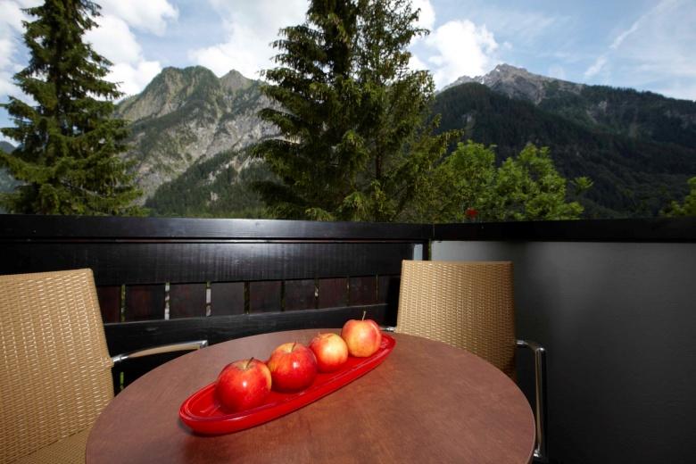Familienzimmer mit Balkon, Zimmer mit Aussicht, Familienhotel Lagant