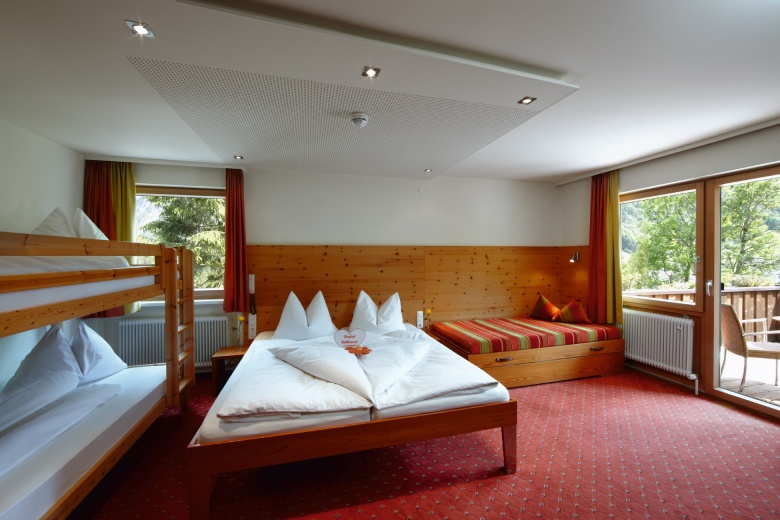 Familienzimmer, Kinderhotel Lagant, Vorarlberg, Österreich