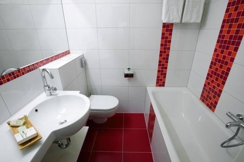 Badezimmer Beispielansicht, Hotel Lagant, Kinderhotel in Vorarlberg