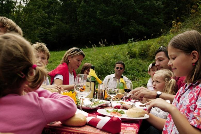 Kinder im Urlaub, Rabatt für Übernachtung im Hotel Lagant