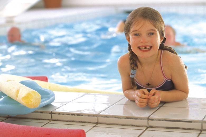 Indoor Pool im Familienhotel Lagant, Badeurlaub in Österreich
