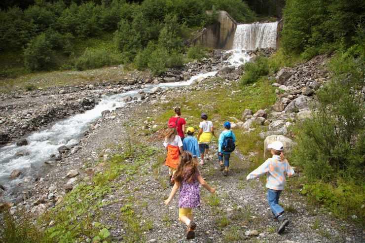 Alvier Bach, Kinderbetreuung mit Wasser, Familienhotel Lagant