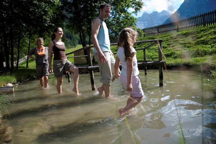 Badeurlaub, Kneipp-Anlage in Vorarlberg, Familienhotel Lagant