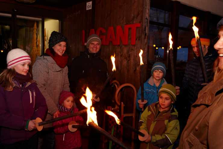 Fackelwanderung im Winter, Familienhotel Lagant