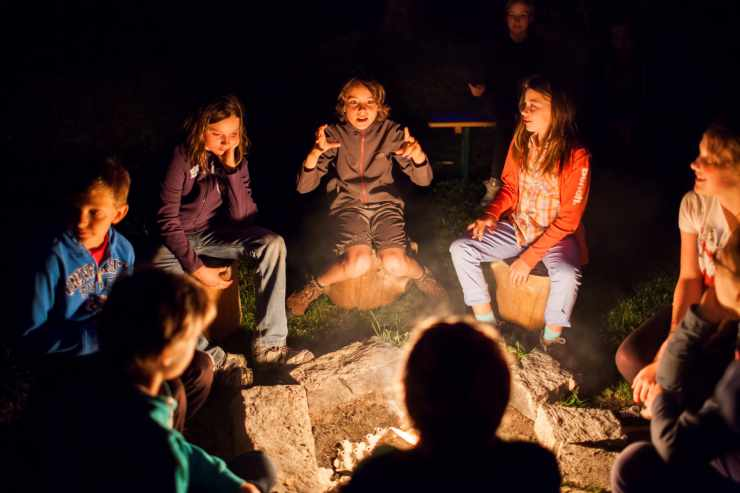 Kinderbetreuung im Familienurlaub, Brand