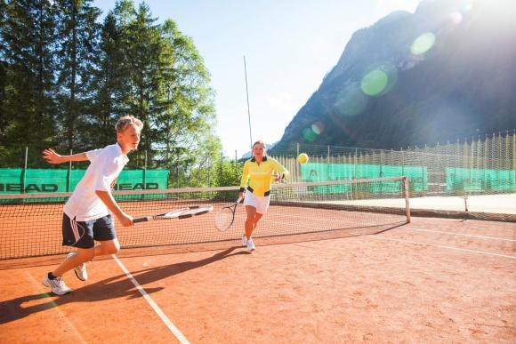Tennisangebot im Familienurlaub, Hotel Lagant, Brandndertal