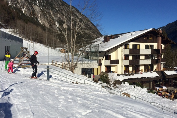 Skifahren bis vor die Haustüre, Brandnertal, Vorarlberg