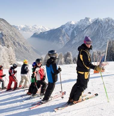 Winterurlaub in Österreich, Familienhotel im Skigebiet, Brand, Vorarlberg