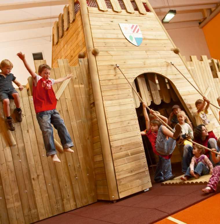 Spielhalle im Familienurlaub, Kinderbetreuung inklusive, fam Aktiv
