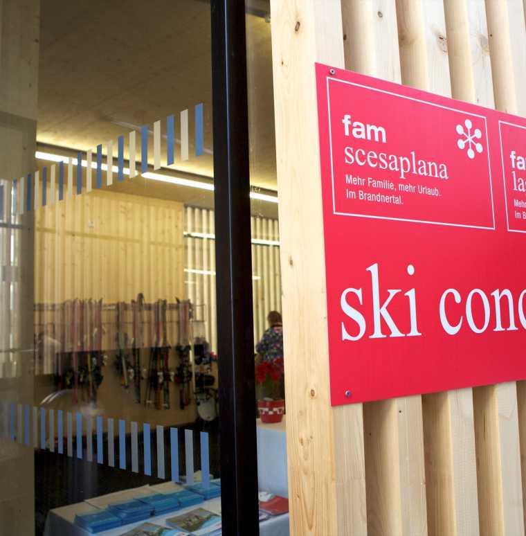 Skiurlaub in Brandnertal, Winterurlaub im Familienhotel, Skifahren in Österreich