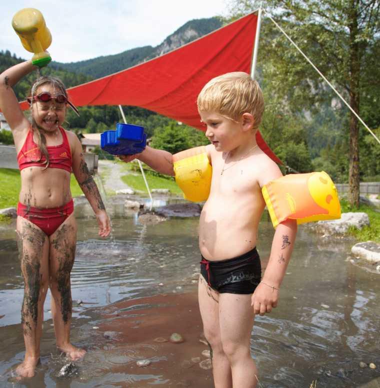 Hotel mit Pool, Badeurlaub in Vorarlberg, Familienhotel Lagant, Brand