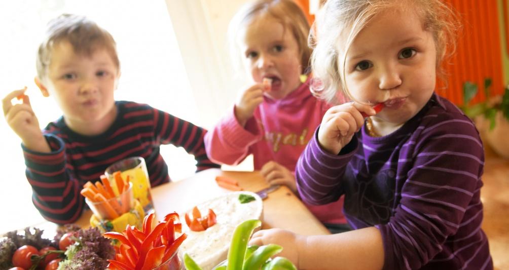 Kinderrestaurant fam Genuss, Kinderbetreuung beim Mittagessen